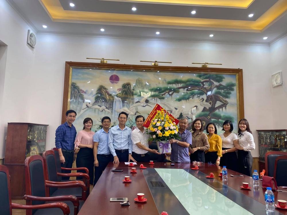 Thăm, chúc mừng các doanh nghiệp trên địa bàn nhân Ngày Doanh nhân Việt Nam 13/10