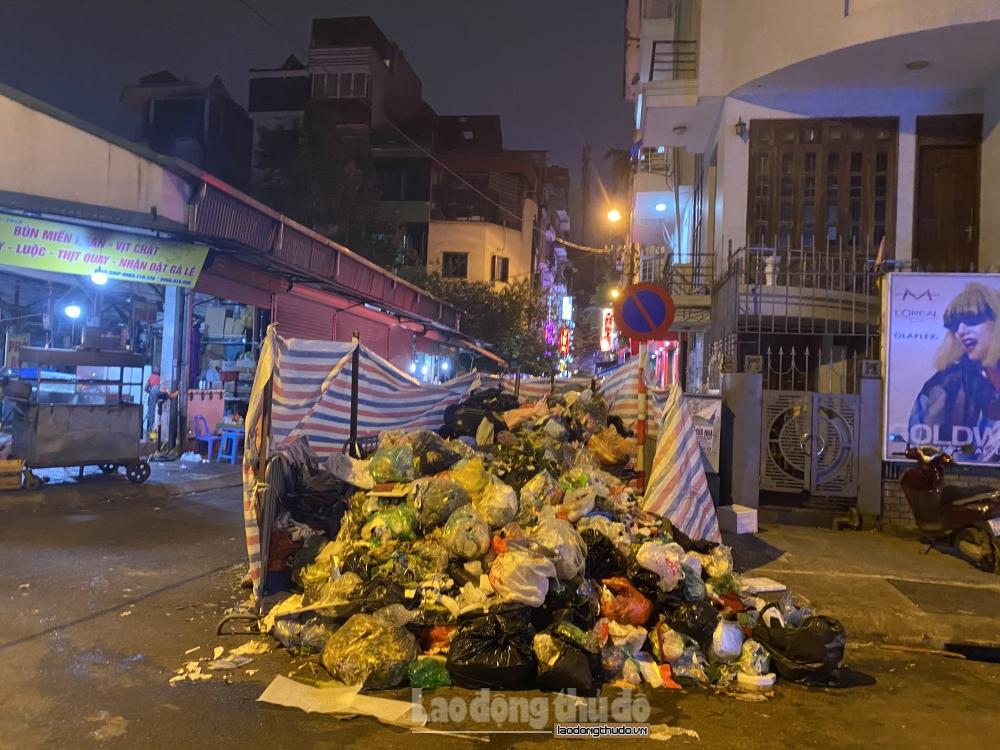 Hà Nội: Phân luồng rác thải ứng phó sự cố tại khu liên hợp xử lý rác thải Nam Sơn