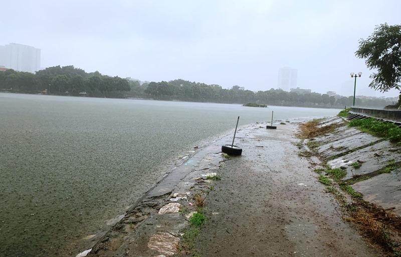 Hà Nội: Sẵn sàng các biện pháp phòng chống úng ngập khi mực nước sông lên cao