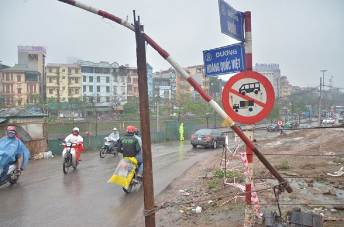 Hà Nội phân luồng phục vụ thi công nút giao thông Bưởi