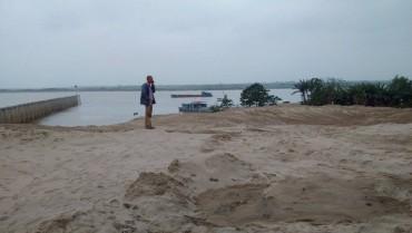 Hà Nội: Giải tỏa VLXD tại các bãi chứa trái phép