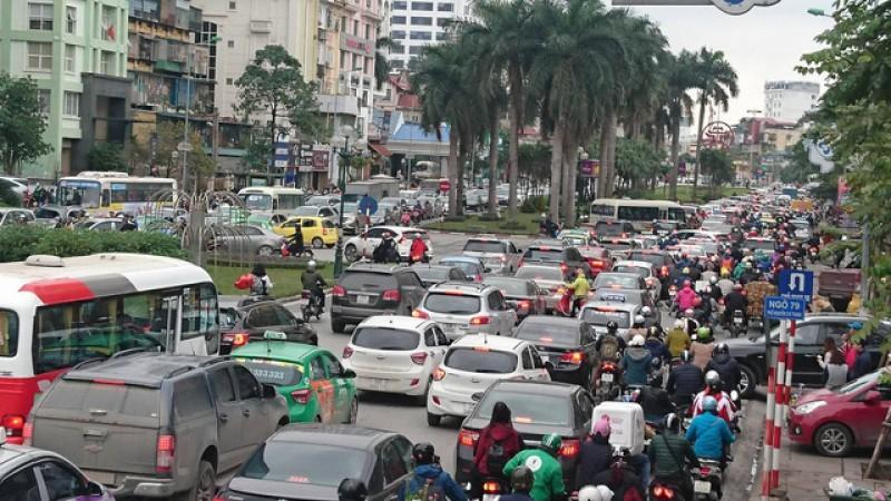 Thu hẹp dải phân cách, mở rộng đường Nguyễn Chí Thanh