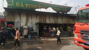 'Bà hỏa' ghé thăm, nhà hàng thiệt hại nặng