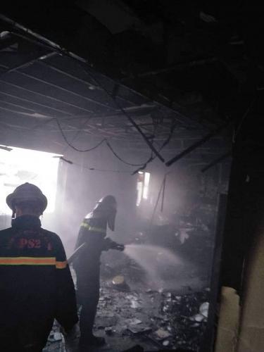 Giải cứu 3 người bị mắc kẹt trong vụ cháy khách sạn trên phố Hàng Than