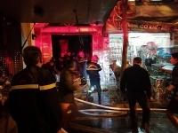 Hà Nội: Giải cứu hai người mắc kẹt trong đám cháy tại phố Lò Rèn