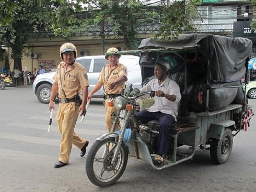 Hà Nội: Sẽ dừng hoạt động xe ba bánh