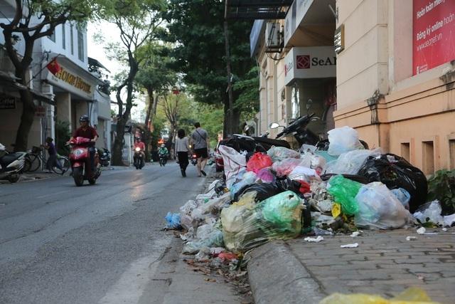 Hà Nội: Sẵn sàng công tác phối hợp xử lý rác thải tồn đọng, bảo đảm vệ sinh môi trường