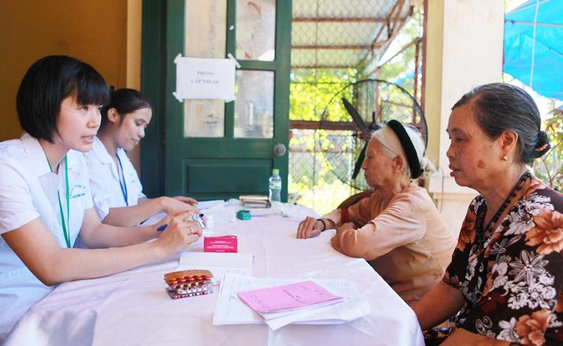 Kỳ 2: Người dân được chăm lo sức khỏe và điều kiện an cư