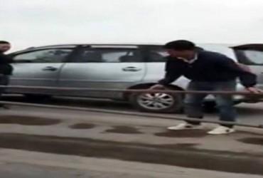 Phạt tài xế đi sai làn trên cầu Thanh Trì