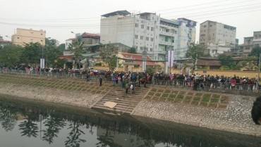 Hà Nội: Phát hiện thi thể nam thanh niên trên sông Tô Lịch