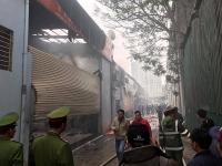 Cháy lớn tại một gara ô tô cạnh trụ sở Liên đoàn bóng đá Việt Nam
