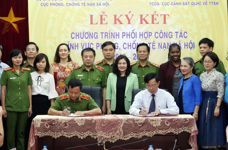 Cục Phòng, chống tệ nạn xã hội và Cục Cảnh sát quản lý hành chính về trật tự xã hội ký kết hợp tác