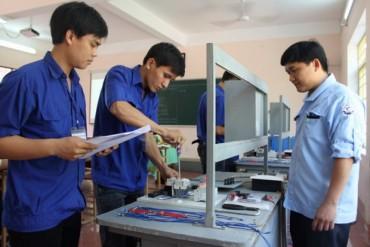 Đẩy mạnh công tác giáo dục nghề nghiệp