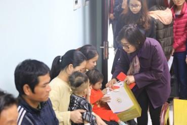 GFS thăm hỏi và tặng quà cho các cháu bệnh nhân tại Hà Nội
