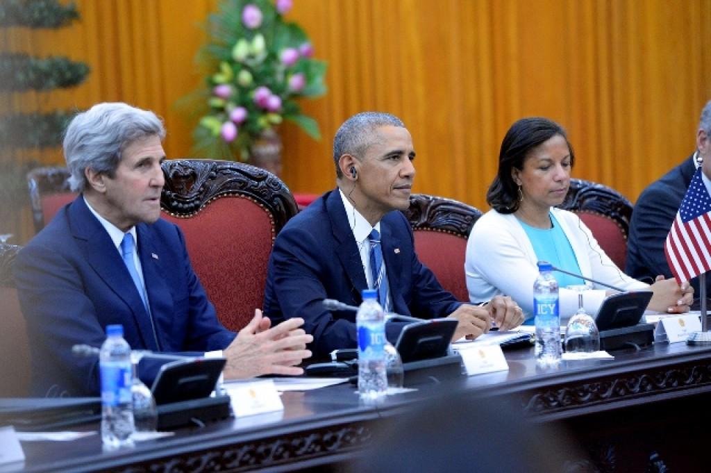 Tổng thống Obama đã dùng loại nước uống nào trong chuyến công du tại Việt Nam?