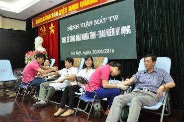 Ngày hội hiến máu tình nguyện ở Bệnh viện Mắt Trung ương