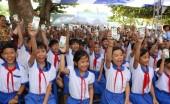 Vinamilk trao tặng sữa cho hơn 1.200 trẻ em tỉnh An Giang