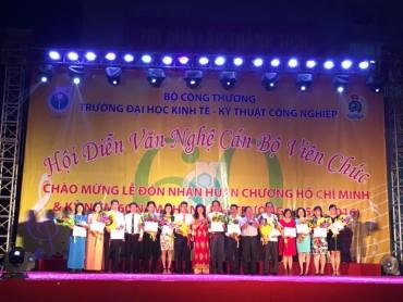 200 diễn viên tham gia Hội diễn văn nghệ Trường Đại học Kinh tế KTCN