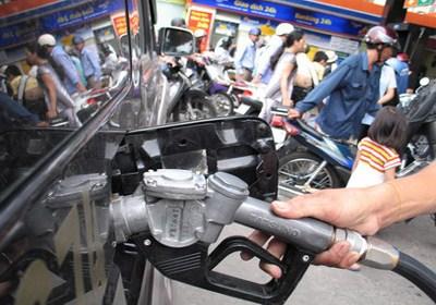 'Mỗi lít xăng sẽ gánh 8.000 đồng thuế bảo vệ môi trường'