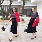 Mỹ nhân Việt lăng xê quần nhung, đầm hai dây gợi cảm trong tuần qua
