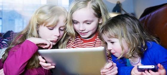Cách hạn chế con trẻ sử dụng smartphone
