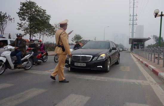 """Chính thức """"mạnh tay"""" xử phạt phương tiện lấn làn buýt BRT"""