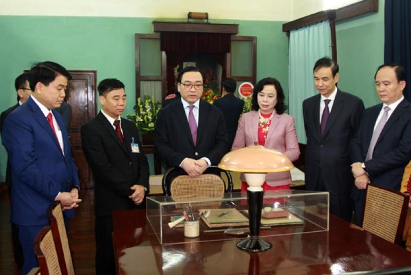 Lãnh đạo thành phố Hà Nội dâng hương tưởng nhớ Chủ tịch Hồ Chí Minh