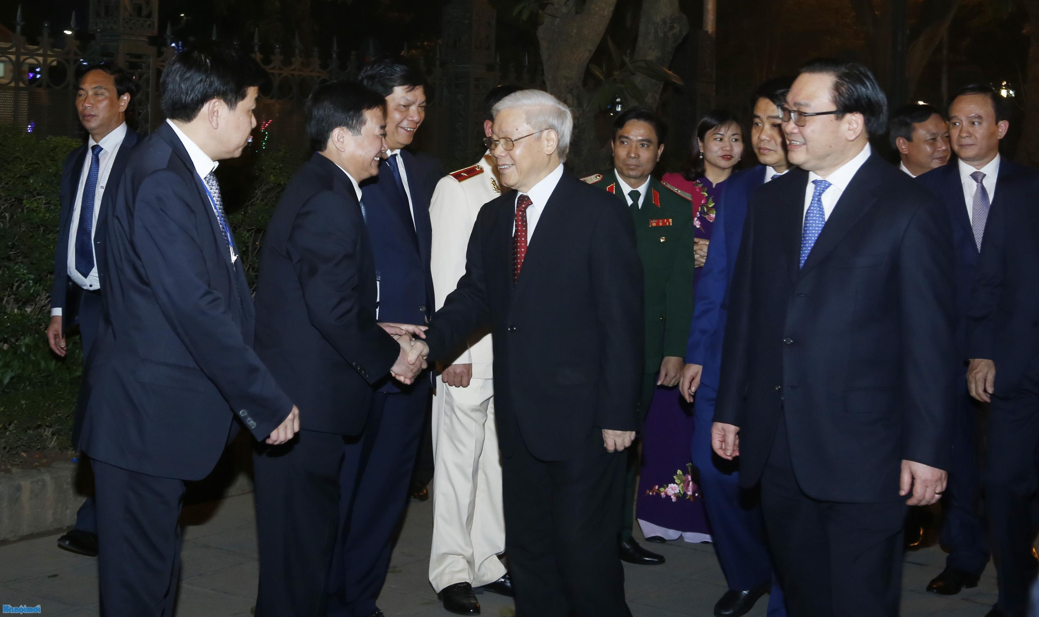 Tổng Bí thư Nguyễn Phú Trọng chúc Tết Đảng bộ, chính quyền và nhân dân Thủ đô Hà Nội