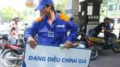 Xăng RON 95 giảm giá 400 đồng/lít