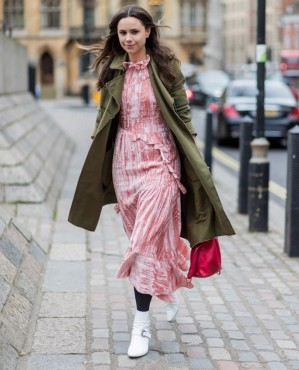 """Street style: """"50 sắc thái"""" áo khoác và cuộc chơi của gam màu nóng"""