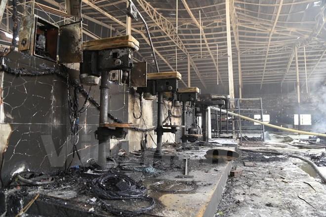 Cháy công ty sản xuất đồ gỗ nội thất, thiệt hại hàng tỷ đồng