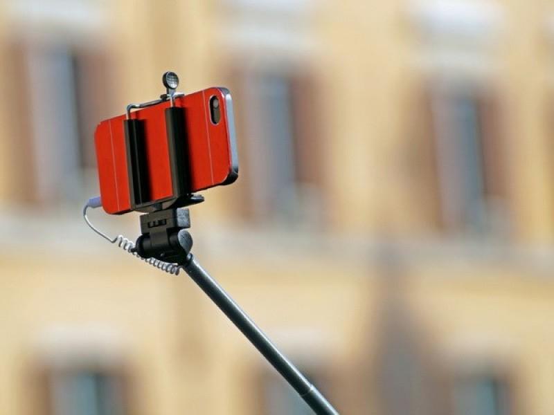 Chụp ảnh selfie ở Italy có thể bị phạt nếu không đảm bảo an toàn