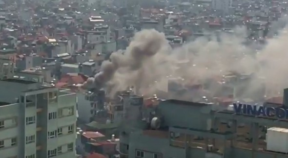 Hà Nội: Cháy lớn tại ngôi nhà 4 tầng trên phố Minh Khai