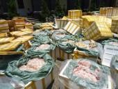 Bắt giữ hàng tấn thực phẩm hôi thối, rượu kém chất lượng