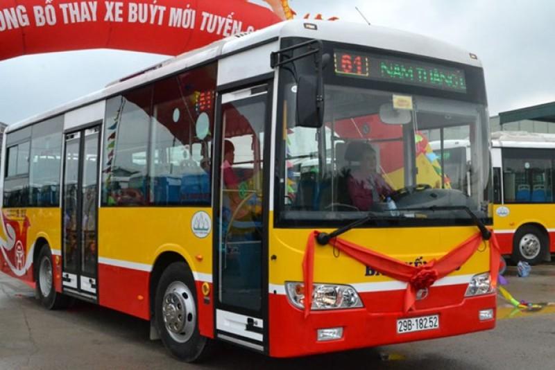 Hàng loạt xe buýt tại Hà Nội được thay mới