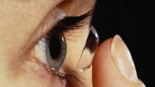 Đeo kính áp tròng làm đẹp: Nguy cơ mù rất cao
