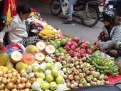 Rau quả Trung Quốc tràn ngập thị trường Việt Nam