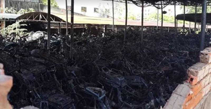 Cháy bãi tạm giữ xe của công an Biên Hòa, cả trăm chiếc xe bị thiêu rụi