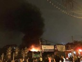 Hà Nội: Gara ô tô cạnh chùa Ngòi bốc cháy ngùn ngụt giữa đêm