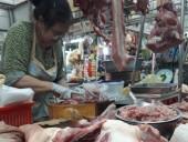 Bất chấp rủi ro, hàng nghìn hộ nuôi lợn 'gặp hạn' vì thương lái Trung Quốc!