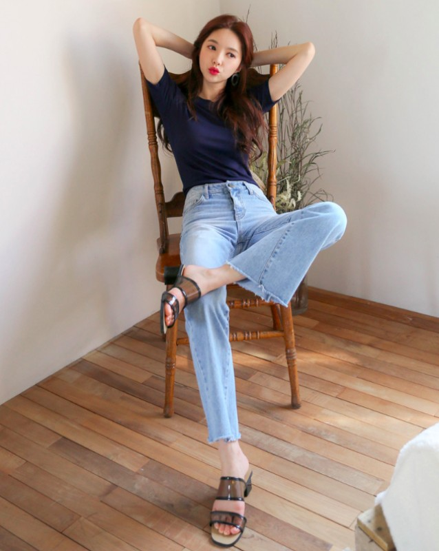 dien jeans ong loe the nao cho chuan dang dep nhat