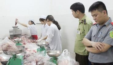 Chặn thực phẩm bẩn vào trường học