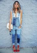 Gợi ý cách phối quần yếm jean đa phong cách