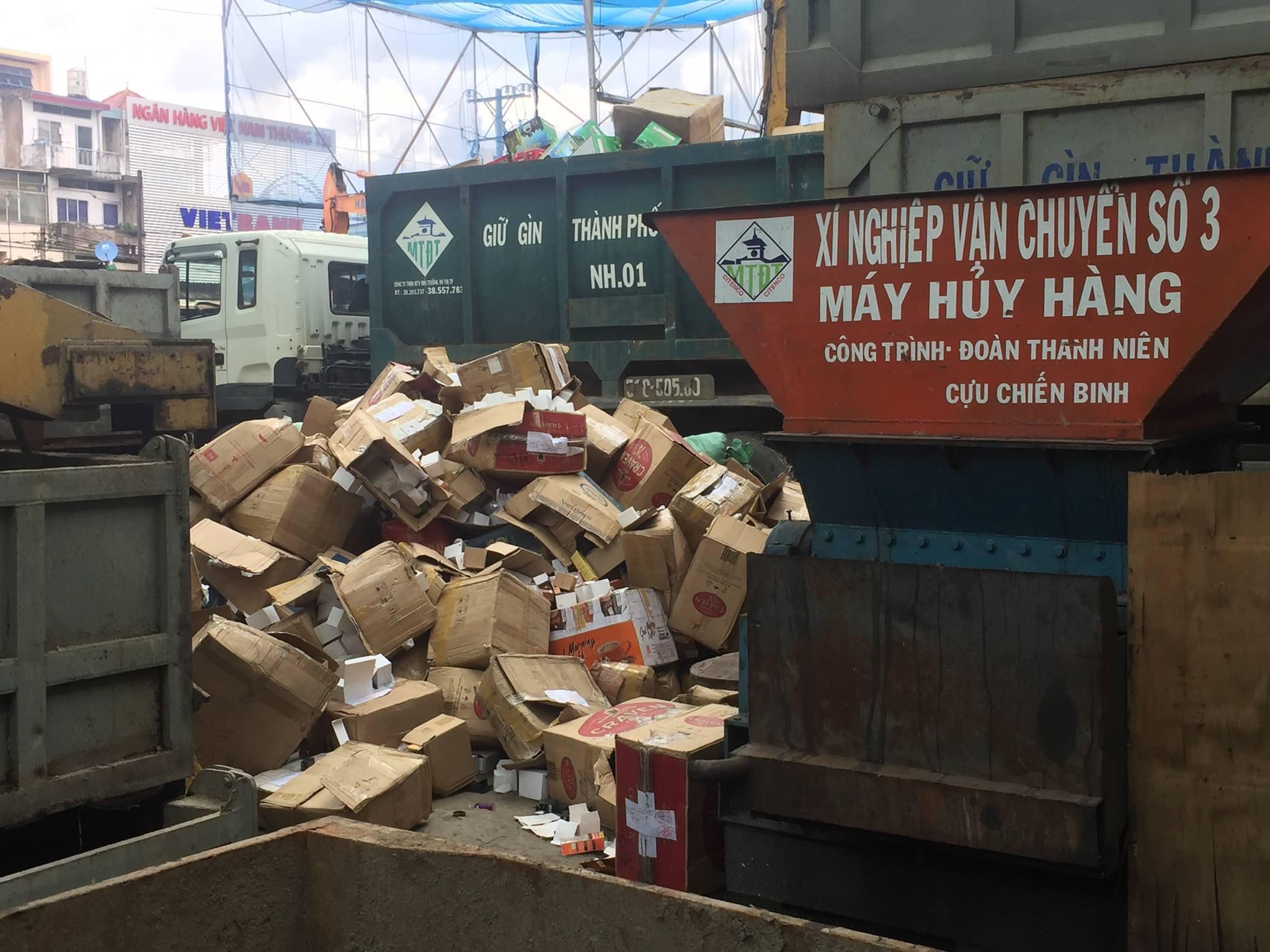 TP Hồ Chí Minh: Tiêu huỷ lô hàng lậu trị giá hơn 10 tỷ đồng