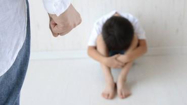 Những hành vi của cha mẹ có thể tác động xấu đến con