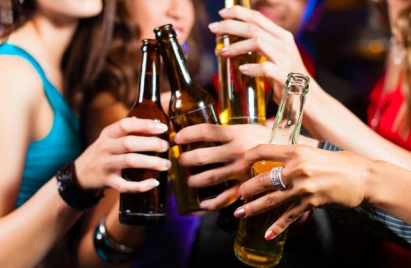 Bia, rượu - tác nhân chính gây ra 7 loại bệnh ung thư