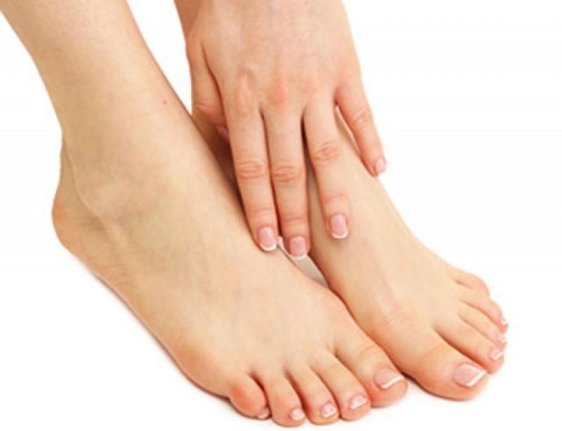 """""""Đọc vị"""" các dấu hiệu bệnh tật qua bàn chân"""
