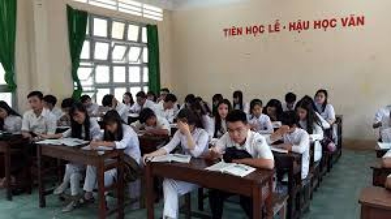 Các trường THPT không được tổ chức kiểm tra để chia lớp