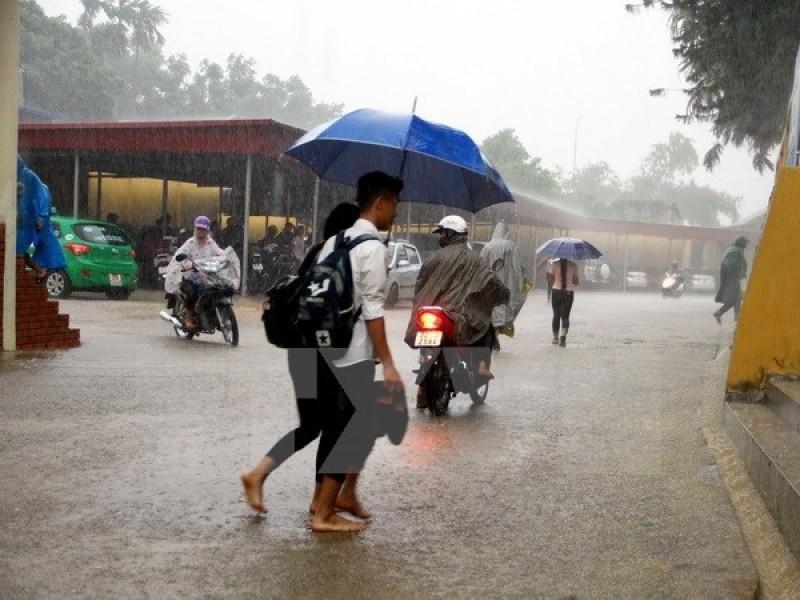 Thủ đô Hà Nội nhiều mây, ngày có mưa rào và dông vài nơi