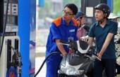 Giá xăng tiếp tục giảm, giá dầu tăng nhẹ